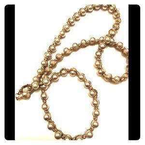 LOFT faux pearl necklace